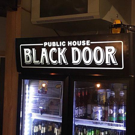 Pub Black Door-billede