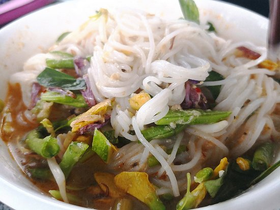 Phnom Penh Food Tours: Rice noodle with curry