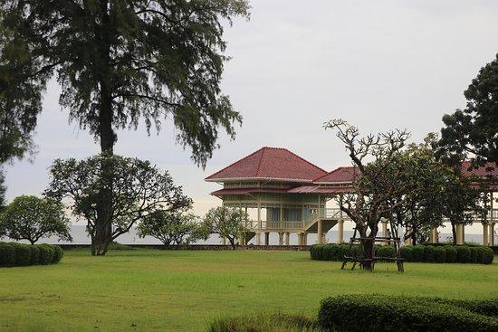 Mrigadayavan Palace: วิวทะเล