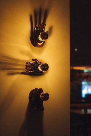 Qbic Bar + Kitchen: Wall features