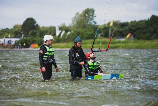 Szkoła kitesurfingu Kite Zone