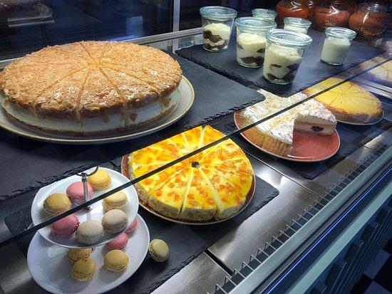 Hervorragend Cafe Bar Alonso: Kuchen Theke