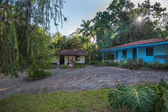 Topes de Collantes, Kuba: vista desde la entrada muy cerca de la casa del cafe, al centro la casa de las historias locales