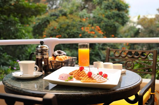The Oberoi, Bengaluru: Breakfast in our private balcony
