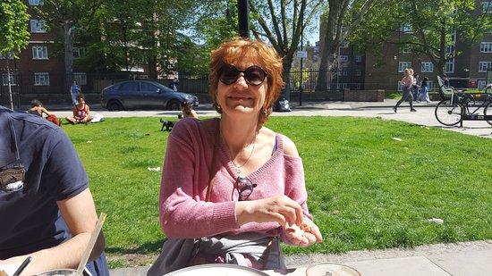 Summer With Monika: petit coin de verdure, les Londonniens profitent du soleil !!!