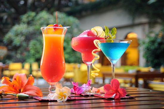 The Oberoi, Bengaluru: Cocktails at The Polo Club