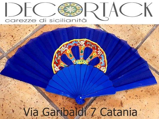 Ventaglio Decortack con dipinto a mano ruota carretto siciliano