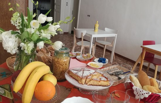 Province of Salerno, Italie : Breakfast