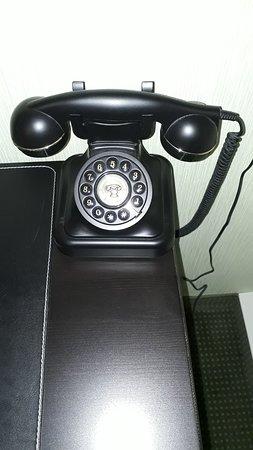 Spielzeug Hotel Sonneberg: Zimmertelefon ist ein funktionierendes W48 (Siemens)