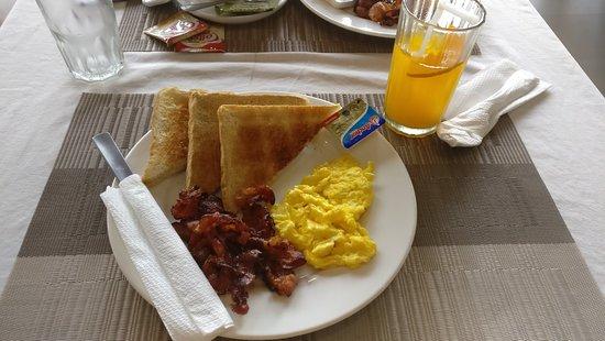 West Makati Hotel: IMG_20180518_080522_large.jpg