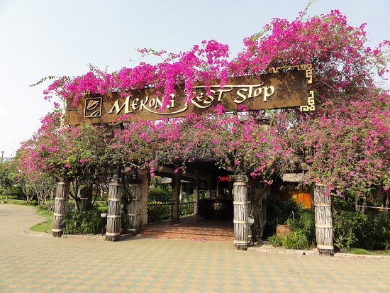 Cu Chi Tunnels & Mekong Delta Full-Day VIP Tour from Ho Chi Minh city: Stop for lunch