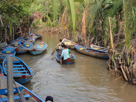 Cu Chi Tunnels & Mekong Delta Full-Day VIP Tour from Ho Chi Minh city: Row boat tour