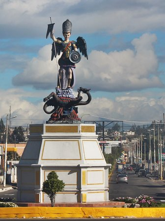 Salcedo, Ecuador: Statua sam Miguel
