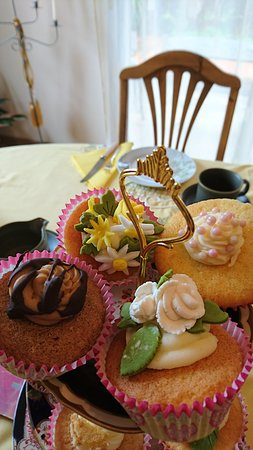 Conques-sur-Orbiel, France: cup cakes for afternoon tea