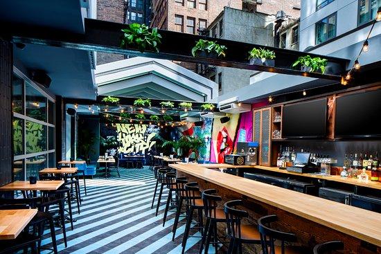 Tga Beer Gardens Picture Of Crowne Plaza Hy36 Midtown Manhattan