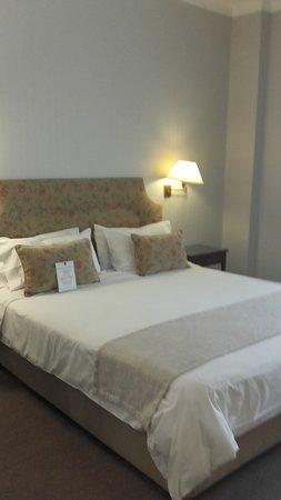 Lafayette Hotel: cama matrimonial donde estuve alojada habitación nro 716