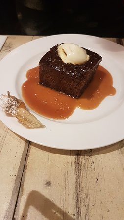 Oundle, UK: Sticky Toffee Pudding