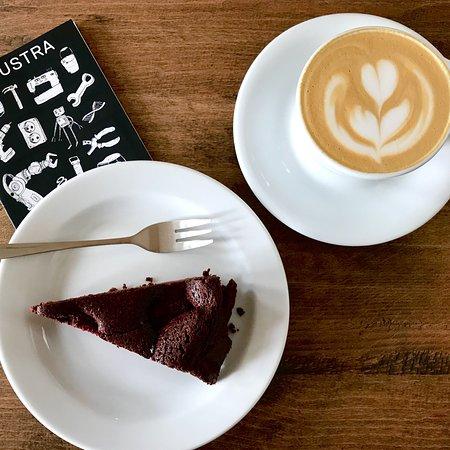 Industra Coffee照片