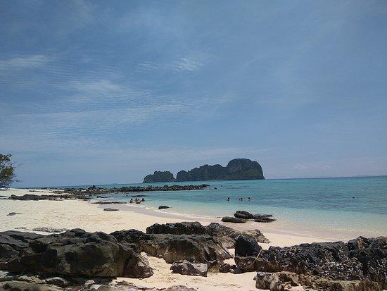 Ko Phi Phi Le: дикий пляж