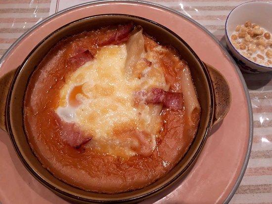 Sunplaza Guratan House Pan: ベーコンと玉子のグラタン