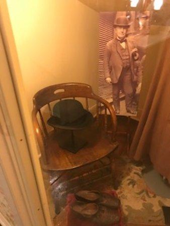 Milan, OH: Edison's hat