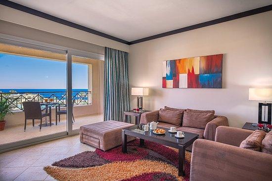 Cleopatra Luxury Resort Sharm El Sheikh: Executive Suite Living Room