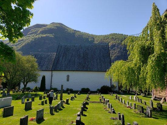 Vangen Kyrkje (Vangen Church)