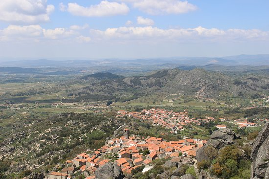 Monsanto, البرتغال: Vista do castelo.