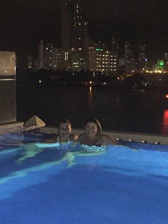 Allure Chocolat Hotel By Karisma: La piscina sin borde tiene vistas espectaculares a la ciudad.