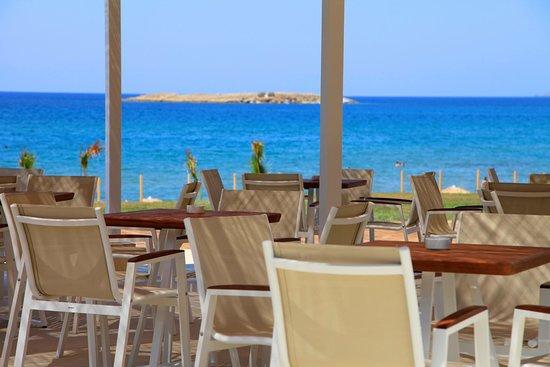 Aptera Beach Resort: restaurant view