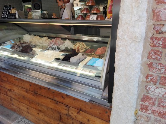 Gelateria il Doge: Traditional and innovative flavours
