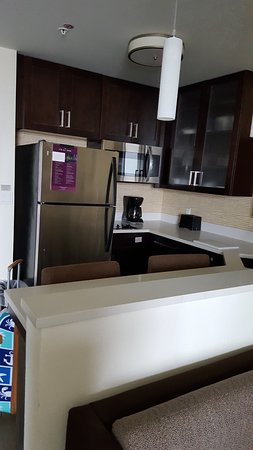 Residence Inn Clearwater Beach: Plenty of counter space