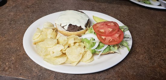 Angus Cheese Burger with Chips