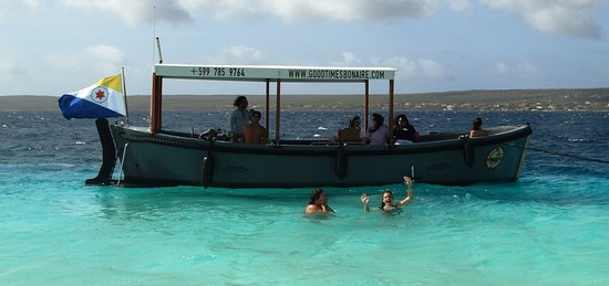 "Kralendijk, Bonaire: birthday party on the ""Good Times"""