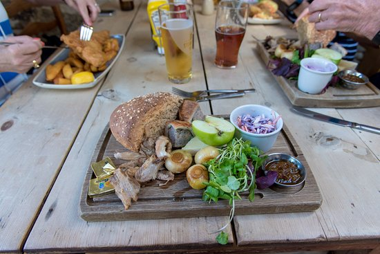 Widecombe in the Moor, UK: The Ploughman's lunch special