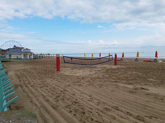 Πάρκο Αναψυχής Cedar Point: Beach in front of Hotel Breakers