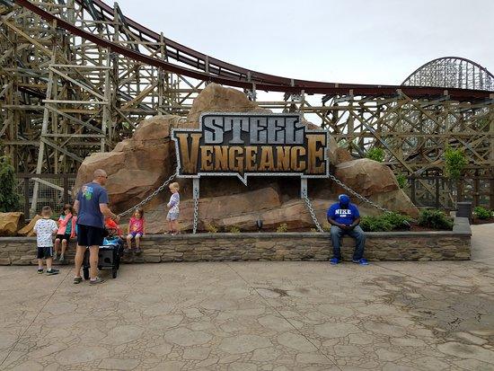 Πάρκο Αναψυχής Cedar Point: Steel Vengeance