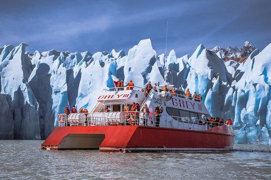 Patagonia Viajes: Navegación Lago Grey, Parque Nacional Torres del Paine