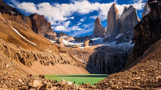 Patagonia Viajes: Base Torres, Parque Nacional Torres del Paine