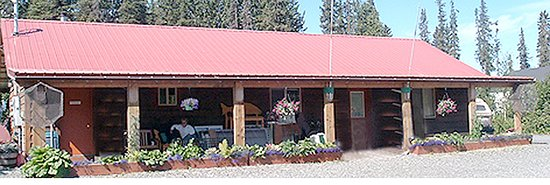 Kasilof, AK: Park Lodge with community area, showers, and bathrooms.