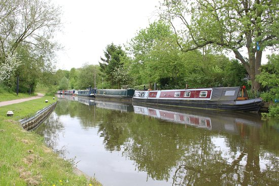 ‪‪Foxton‬, UK: barges moored up at the bottom end of the locks‬