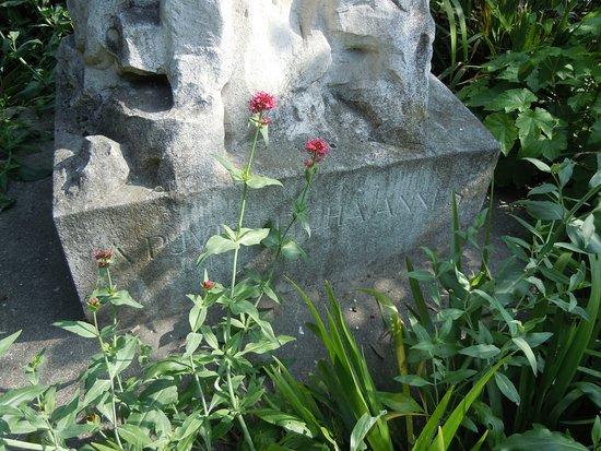 Monument à Puvis de Chavannes