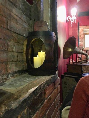 Loxley's Restaurant & Wine Bar: Interior