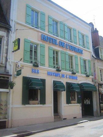 Corbigny, ฝรั่งเศส: Façade