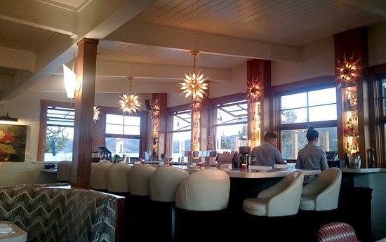 Los Alamos, CA: Norman Restaurant - view of the bar