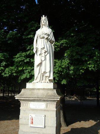 La Statue de Blanche de Castille