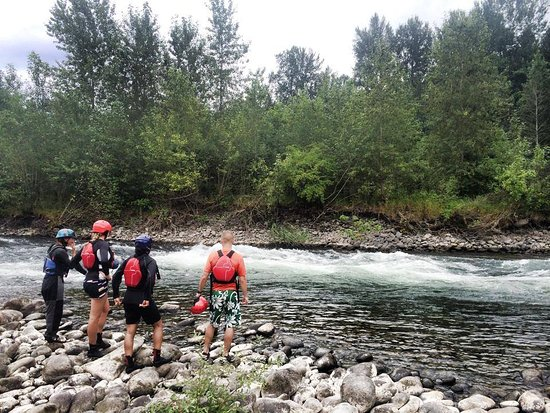 Sandy, Oregon: stout creek outfitters scouting the river