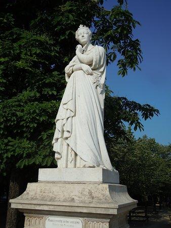 La Statue de Marguerite de Navarre