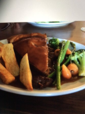 Pluckley, UK: Steak and Guinness pie