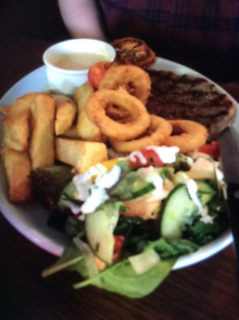 Pluckley, UK: Steak cooked to perfection